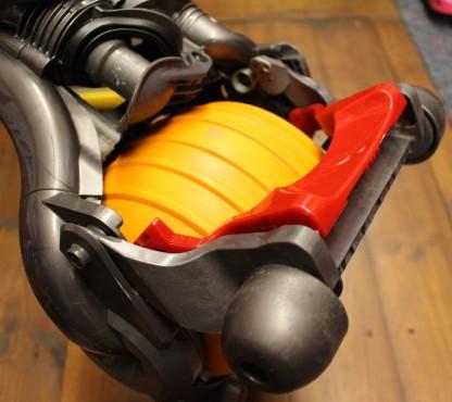 FixItWorkshop, April'18, Dyson DC24, red foot lever.