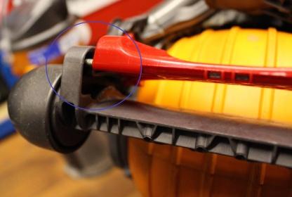 FixItWorkshop, April'18, Dyson DC24, cleaning the lever mechanism.